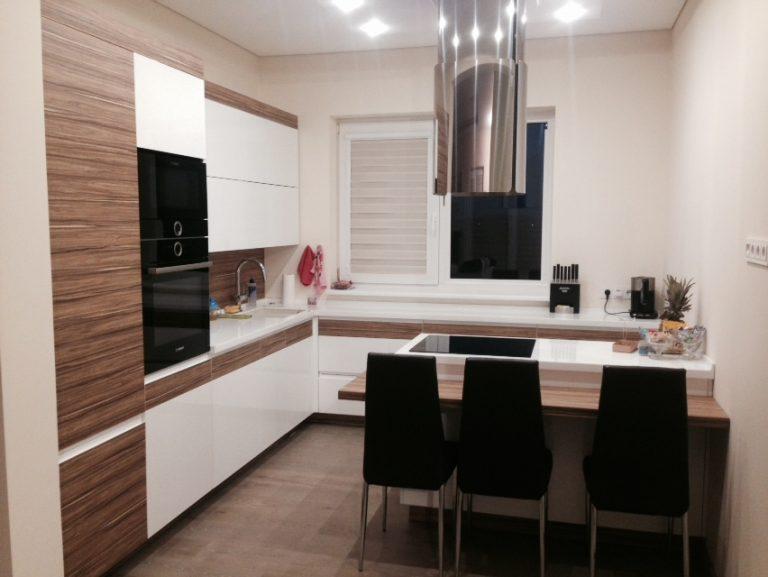 Virtuvės baldai su corean stalviršiu