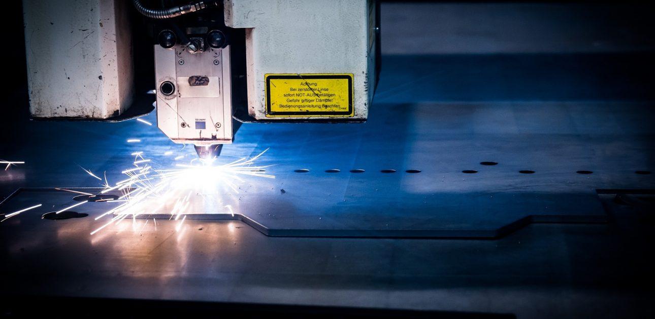 laser-2819142_1920